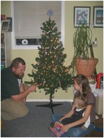 Tree_decorating_candy_cane